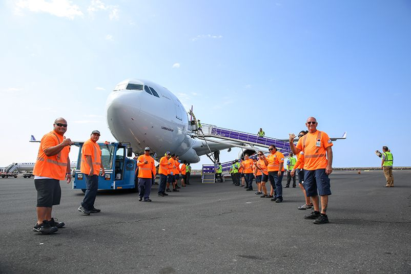 Hawaiian Airlines recruiting at Kona International Airport