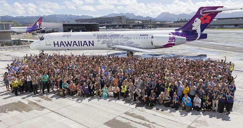 Hawaiian Airlines Employees Share in Company Profits