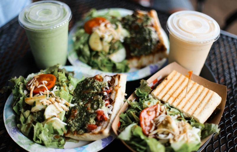 Cafe.Farm Pizza Panini and Smoothie
