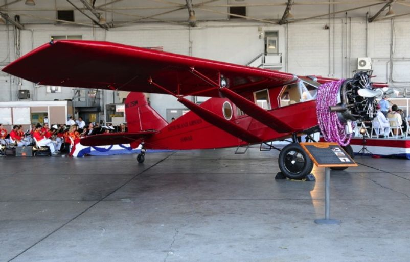 1929 4 Bellanca with a Lei