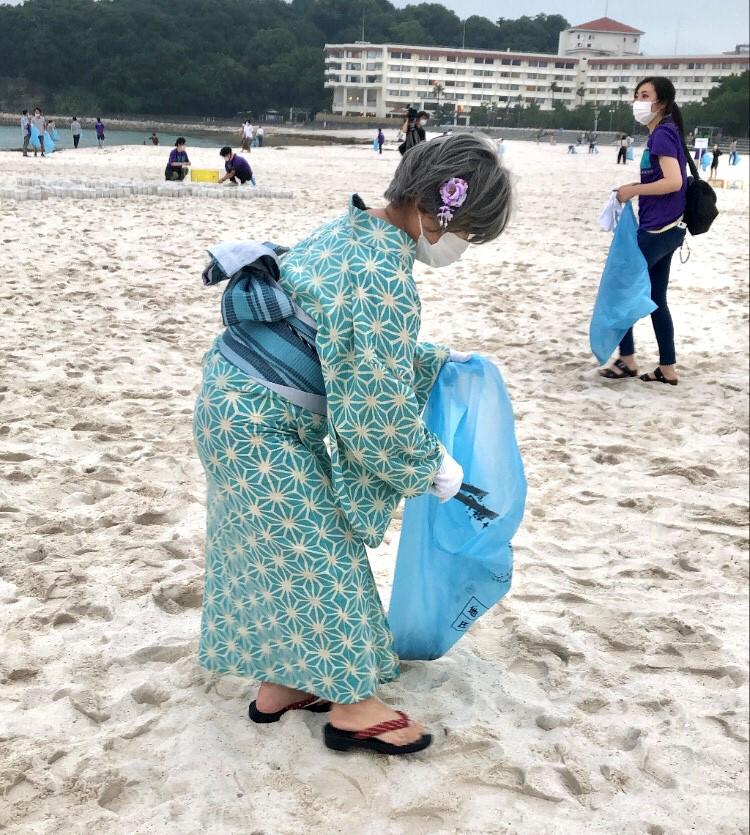 Beach clean 2_hz