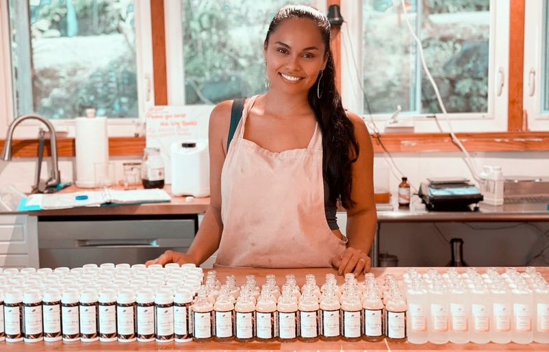 Meet the Makers: Indulge in Seasonal Honeys, Island-Sourced Skincare, and Bonus HawaiianMiles