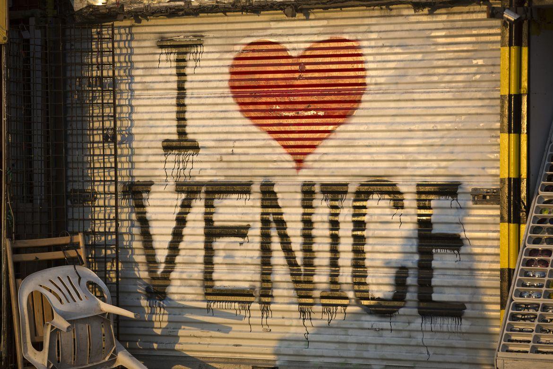 I heart Venice sign
