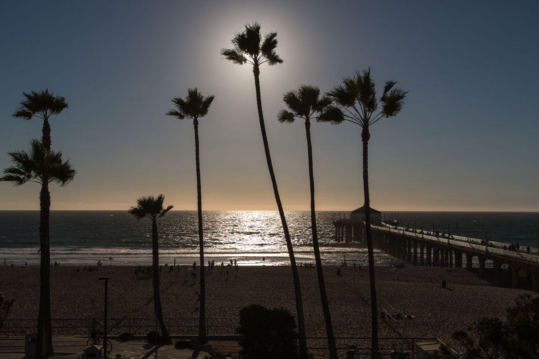 Manhattan Beach pier - evening