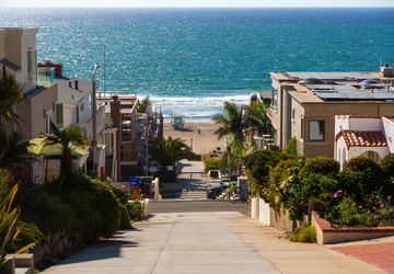Manhattan Beach residential street