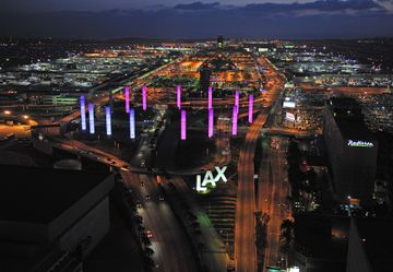 LAX aerial of pylons