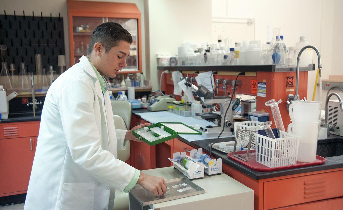 Isai Edison Scholar Lab