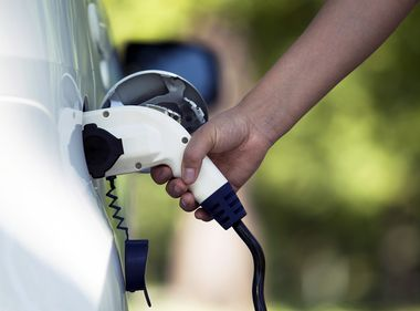 New SCE App Helps Calculate EV Savings