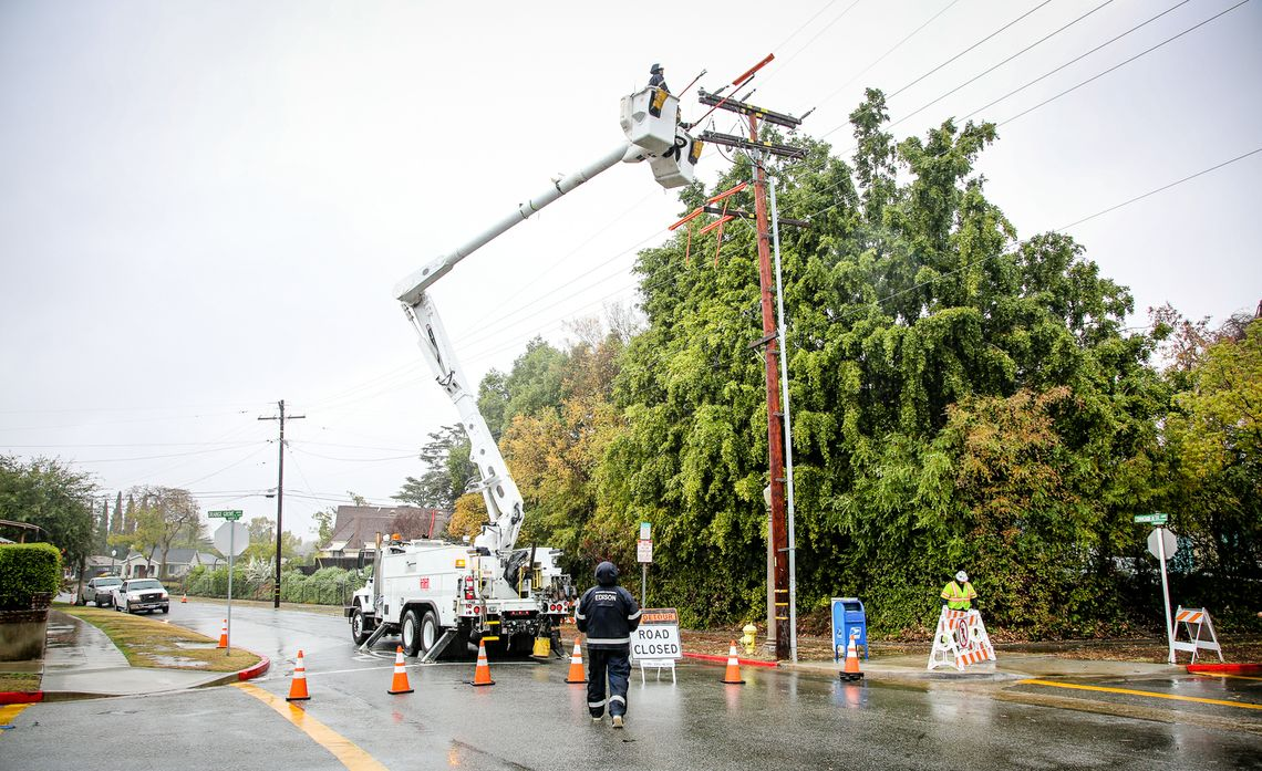 Restoring Power in Alhambra After El Niño Storm