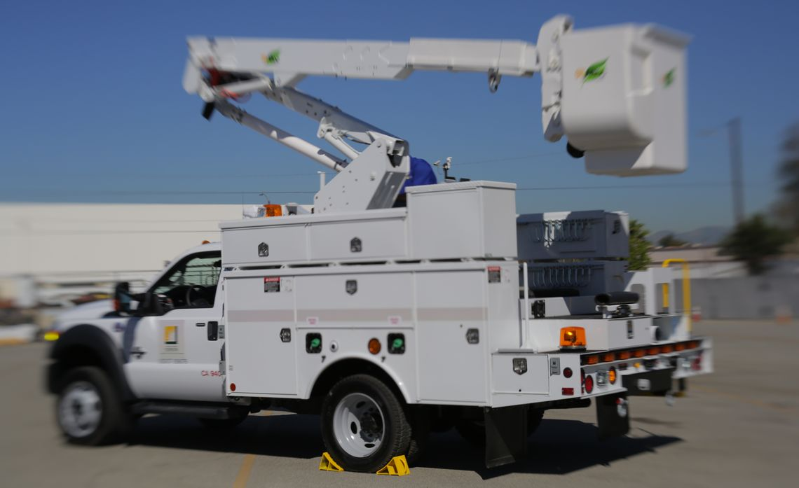 Electric Bucket Trucks