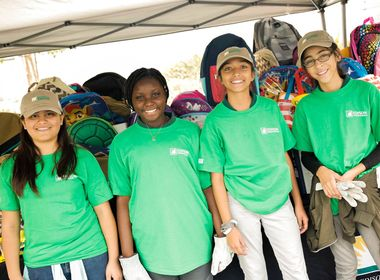 Students in Inglewood Receive the Gift of a Garden