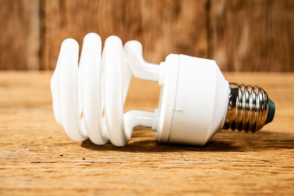 How To Clean Up A Broken Cfl Bulb Inside Edison