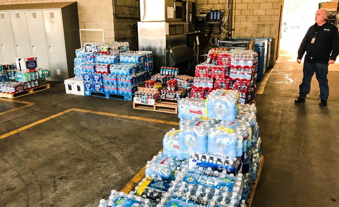 Rio Mesa High School donations to SCE crews