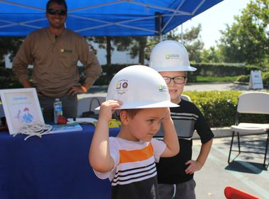 SCE Crew Gives Kids a Hands-On Experience