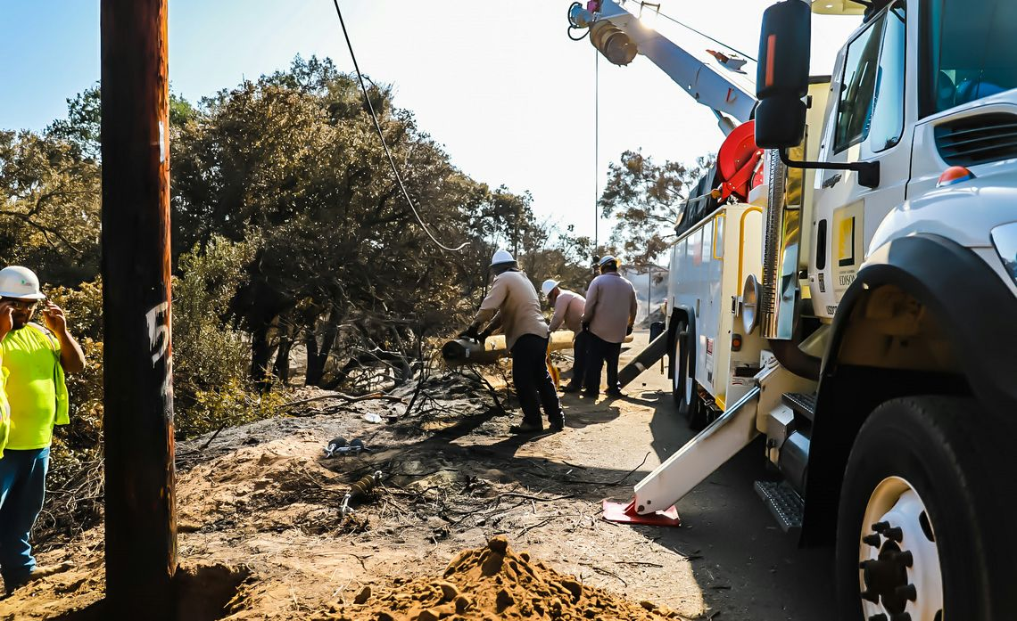 As SCE Crews Make Repairs for Canyon Fire 2, More Santa Ana Winds Forecast Through Weekend