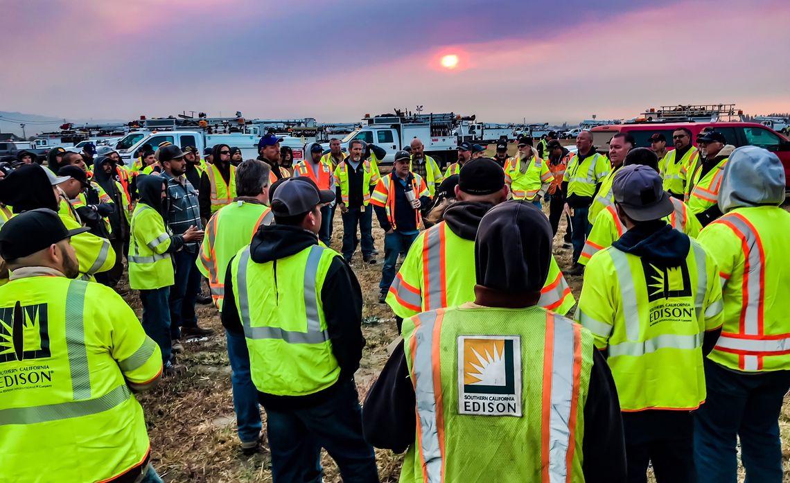 SCE Crews Help Restore Power in Fire-Ravaged Areas of Santa Rosa