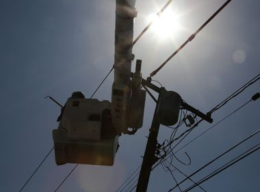 SCE Staffs More Crews as Rare October Heat Wave Engulfs Southland