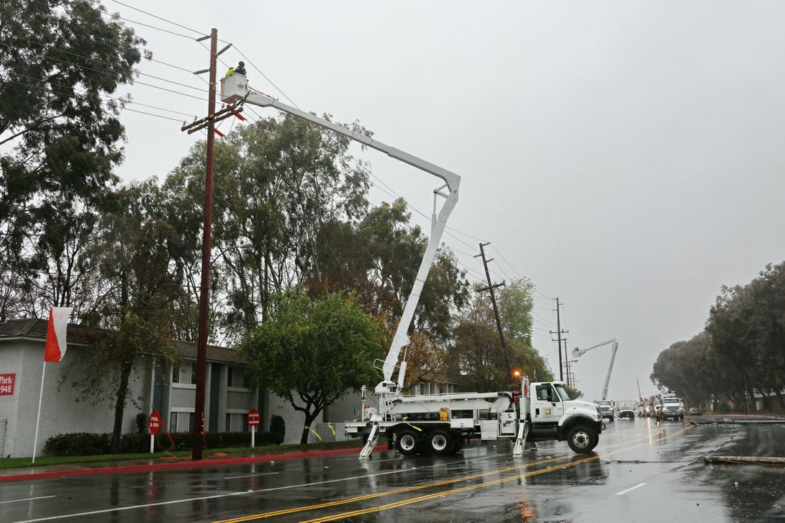 Rainstorms - SCE Crews