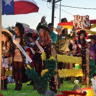 Consejos por parte de la Ciudad para los espectadores que marcan sus lugares para ver el Desfile Iluminado del día de los Bucaneros 2016