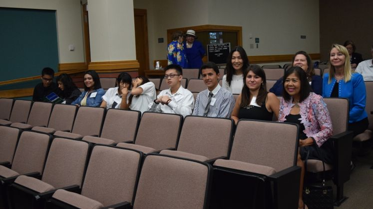 Sister City Exchange Students Tour City Hall