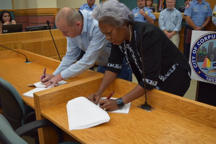 Contract Agreement Between City of Corpus Christi and Professional Firefighters Association Local #936