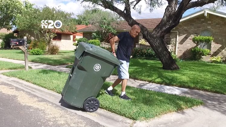 How to Properly Set and Remove Garbage Carts