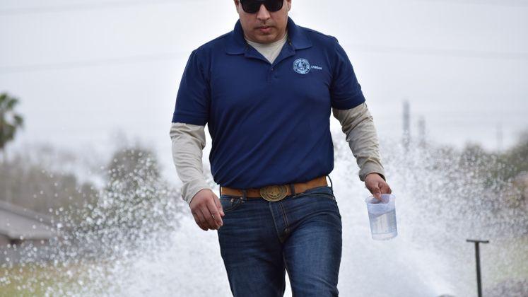 Adrian Gonzalez Flushing Demo