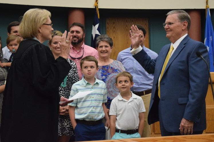 Mayor's Swearing-in Ceremony / May