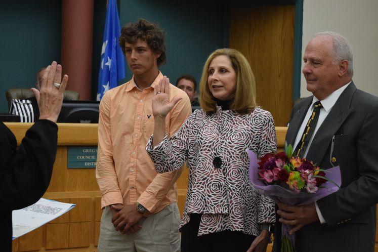 Council Member Debbie Lindsey-Opel