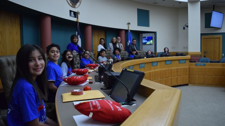 School of Science and Technology Students Visit City Hall