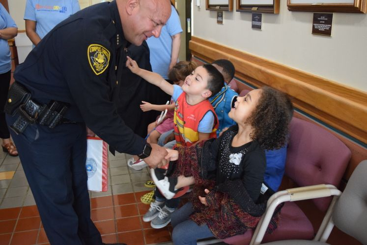 CCPD Chief M. Markle Meets with Kids