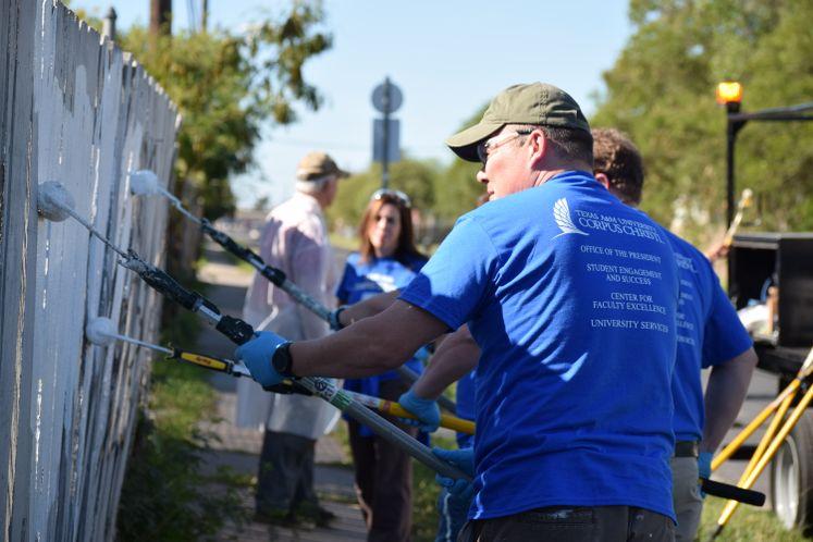 #GivingTuesday TAMUCC and Graffiti Removal Team