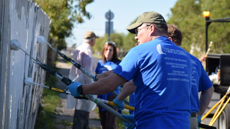 #GivingTuesday TAMUCC and Graffiti Removal Team