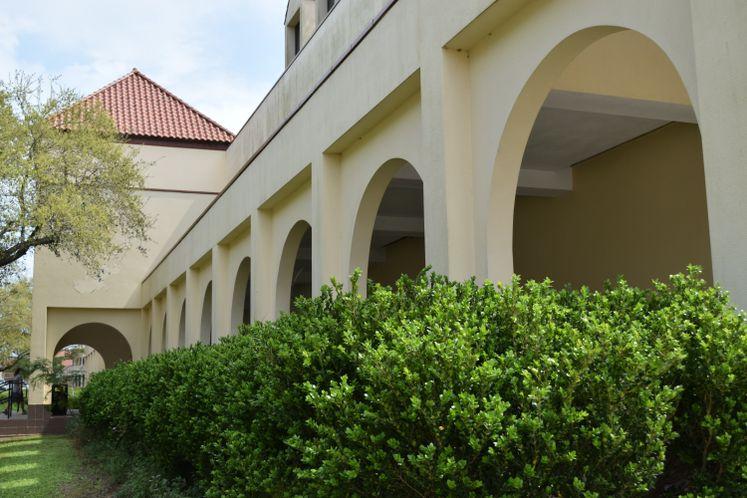La Retama Public Library