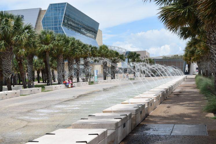 Bayfront Fountain and Kiosk