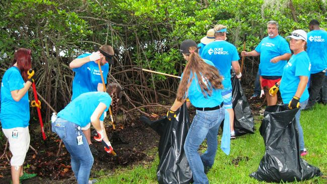 Duke Energy Florida's 'Army of Blue' invades Bay Pines VA Healthcare System with holiday helpers