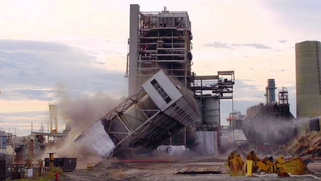 Sutton Plant implosion showcases Duke Energy transition to cleaner energy in the Carolinas