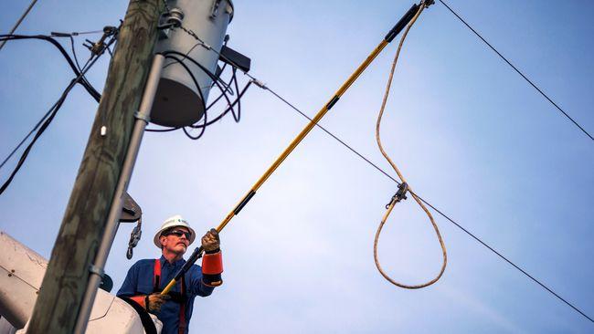 Duke Energy makes progress on power restorations in Indiana