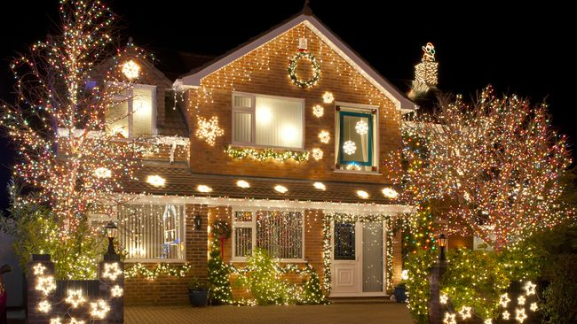 A bright idea: Duke Energy helps customers estimate the cost of holiday lighting