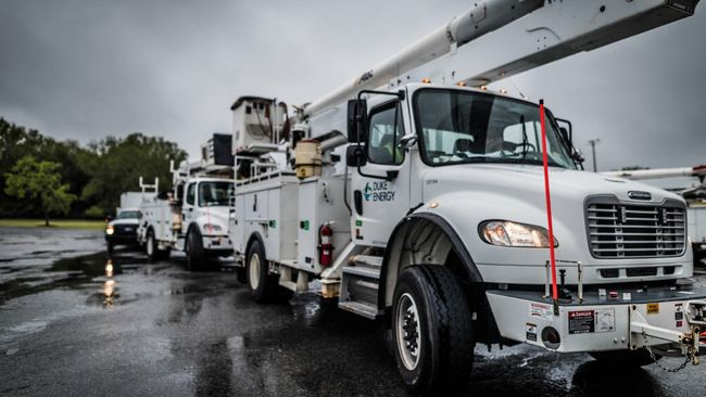 Duke Energy crews ready to respond to potential power outages as Isaias nears Carolinas
