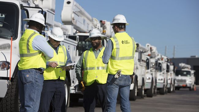 Duke Energy deploys line workers and support personnel from Ohio and Kentucky to speed power restoration after Hurricane Irma