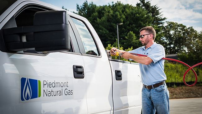 Piedmont Natural Gas demonstrates commitment to compressed natural gas technology with new refueling station