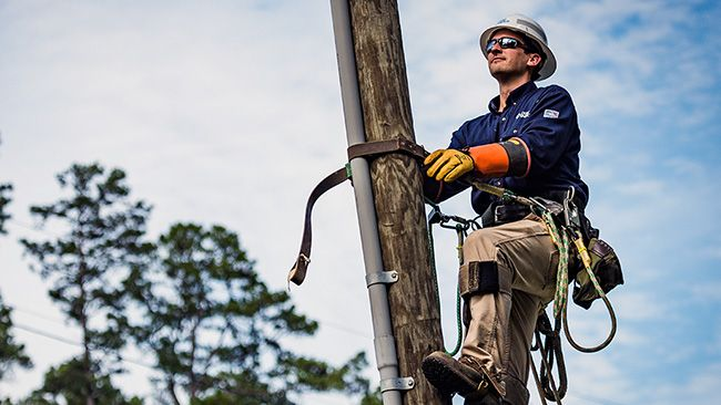 Duke Energy linemen win regional contest; advance to International Lineman's Rodeo