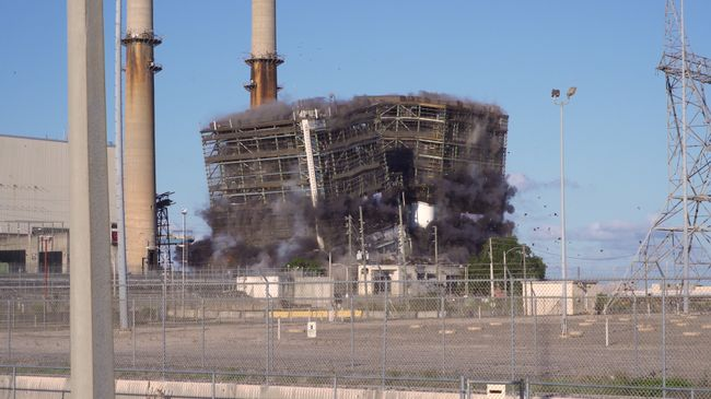Crystal River Coal Plant Implosion 1