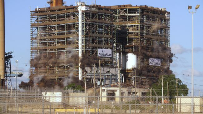 Crystal River Coal Plant Implosion 4