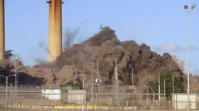Crystal River Coal Plant Implosion 6