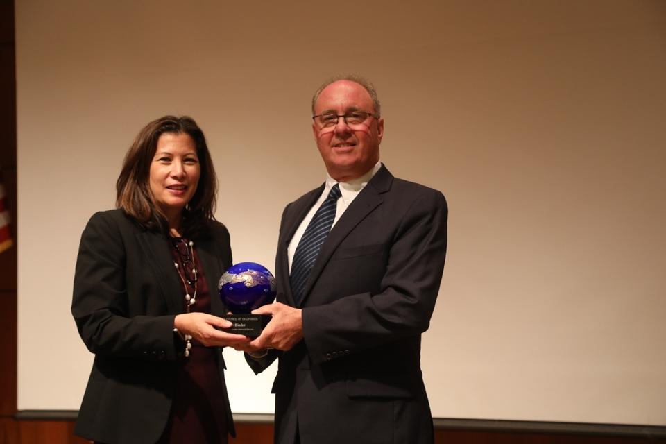 Steve Binder receiving the Distinguished Service Award 2018