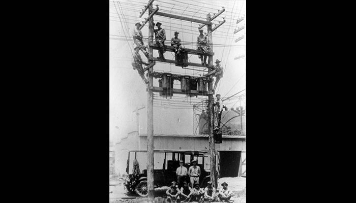02-PS-Time_Lineman_1921