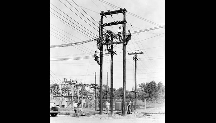 04-PS-Time_Lineman_1947