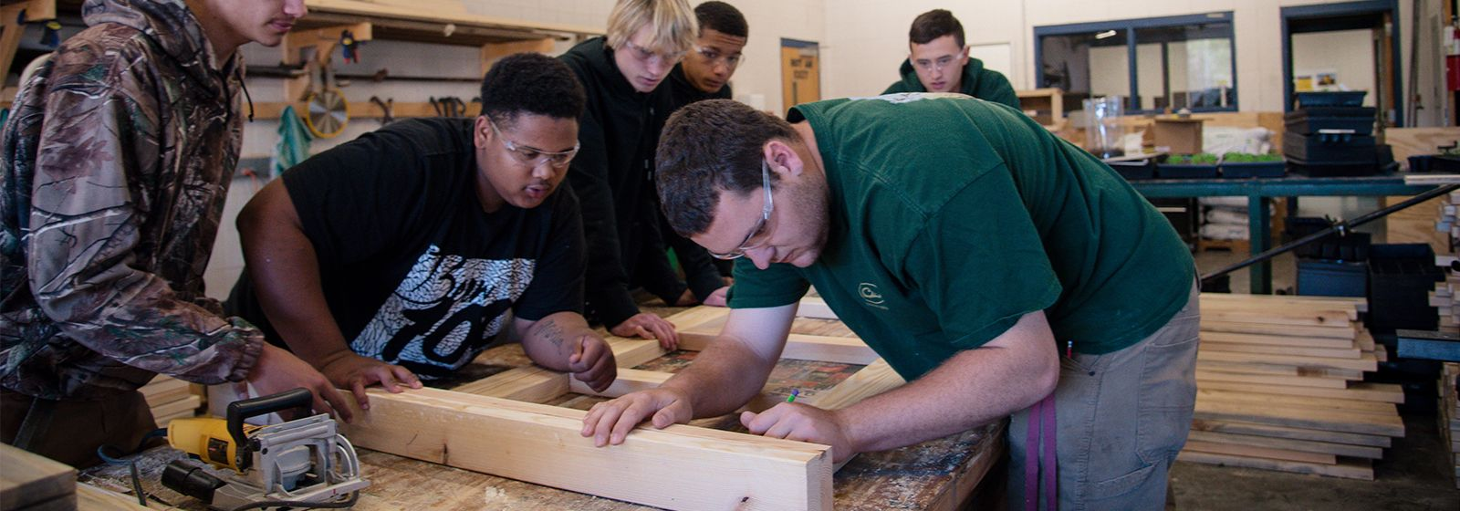 For hurricane victims, students help build hope